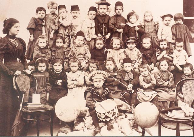גן הילדים הראשון שלימד בעברית והגננת אסתר שפירא